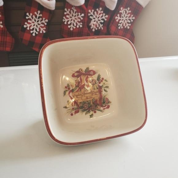 Longaberger Square Christmas Dishes